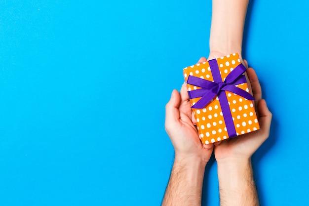 バレンタインギフトの休日の装飾、デザインのコピースペースを与える