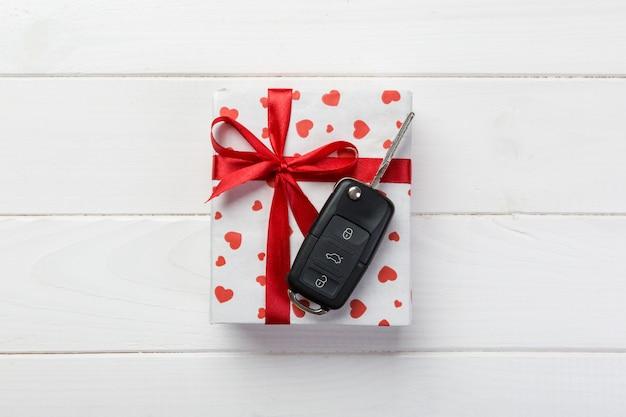 Подарочная коробка валентина и ключ от машины