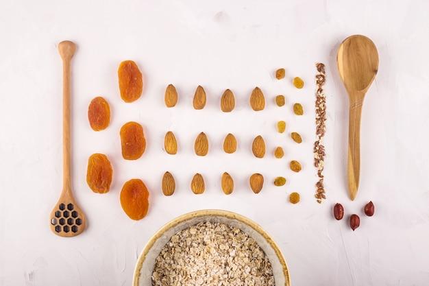 Ингредиенты для приготовления вкусной и полезной овсянки на завтрак