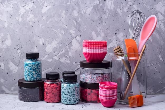 Кухонная посуда и инструменты для профессионального кондитера