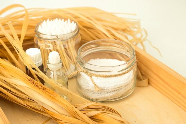 ボディケアとスパ用のエコアクセサリー - バスト、ルーファ、木綿の綿棒