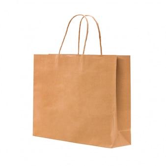茶色の紙袋は、白い背景で隔離。買い物用のリサイクルパッケージ。クリッピングパスオブジェクト。