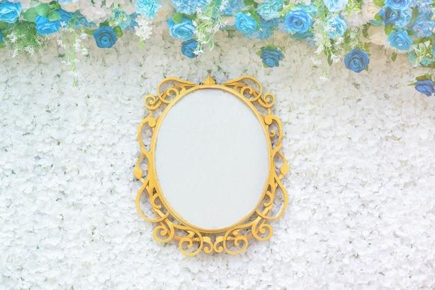 結婚式の空白のテクスチャ看板、テキストと花の創造的なレイアウト。