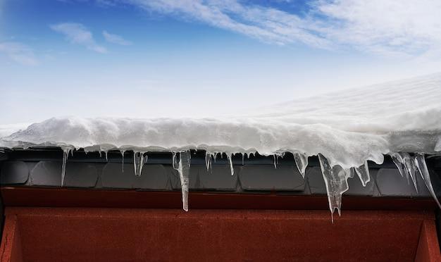 アイス屋根のクローズアップの詳細背景