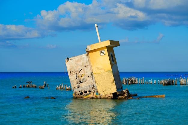 Остров холбокс мексика руины урагана