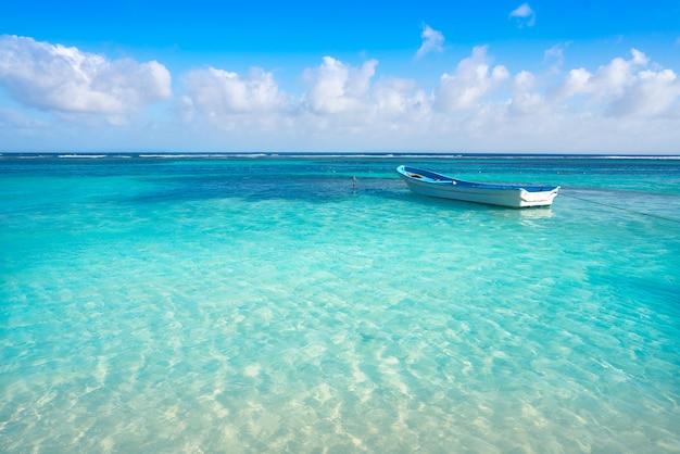 Карибский тропический пляж бирюзовая вода