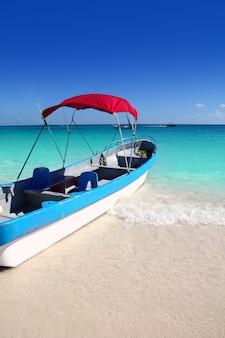 Лодка тропический пляж карибское море бирюзовое