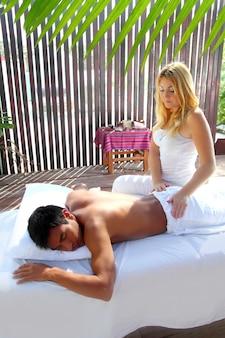 Лечебный массаж физиотерапия в кабине джунглей
