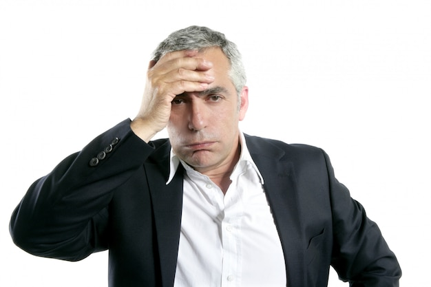 Седые волосы грустно беспокоился старший бизнесмен экспертиза