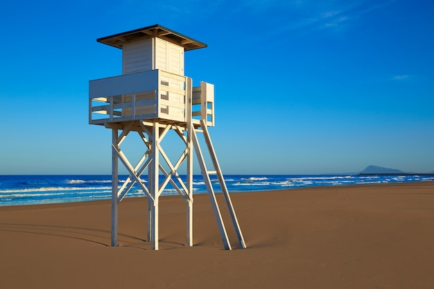 Пляж гандия в валенсии, испания