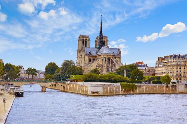 フランス、パリのノートルダム大聖堂
