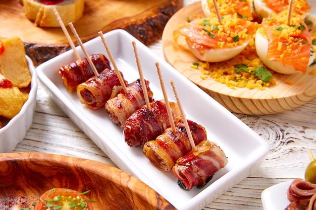 Тапас микс и пинчос еда из испании рецепты также пинчос