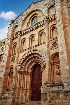スペインのサモラサンサルバドル大聖堂