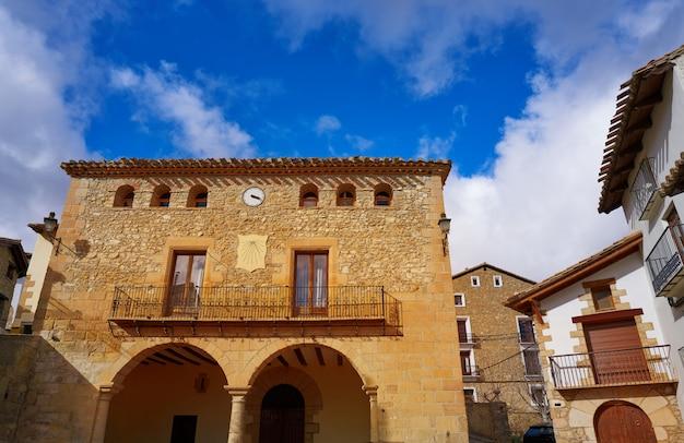 Деревня ногеруэлас в теруэль, испания