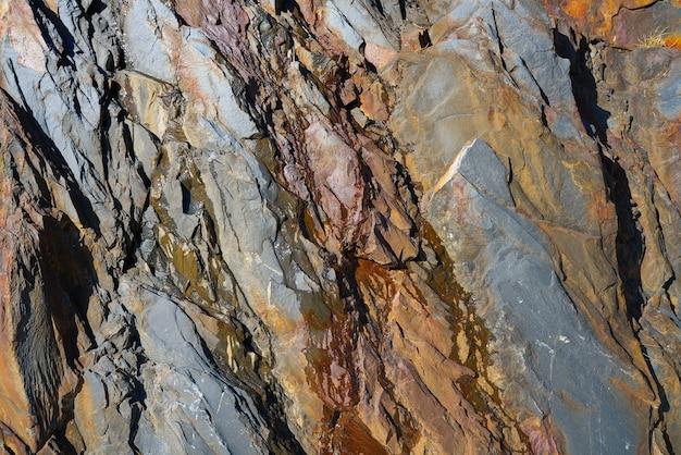 スペイン、ピレネー山脈のスレートの石のテクスチャ詳細