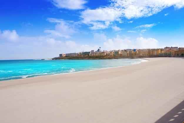 スペイン、ガリシアのラ・コルーニャリアゾルビーチ