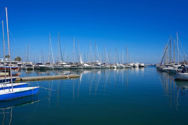 アリカンテのデニアマリーナポートボート