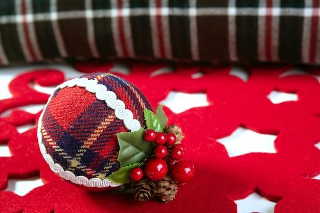 クリスマスデコレーションボールスコットランドパターン
