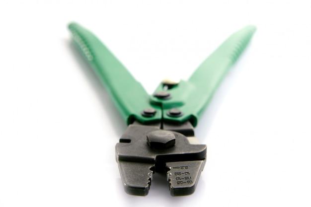 分離された緑のクリンパーハンドツール