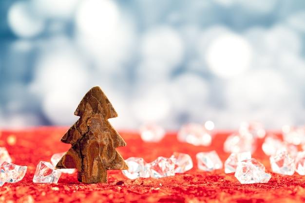 アイスキューブのクリスマス樹皮の木の形