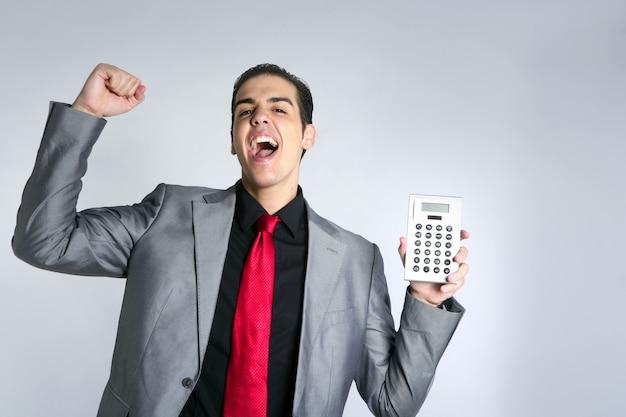 電卓は青年実業家に良い結果を与える