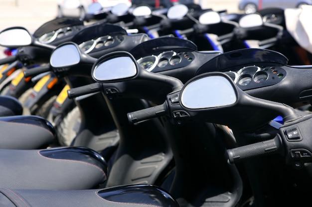 視点と行のスクーターバイク