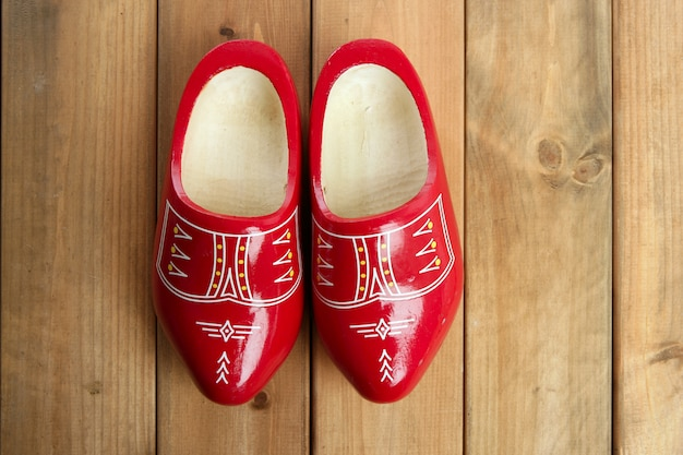 オランダオランダ赤い木の靴