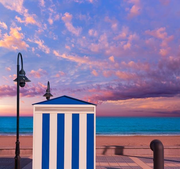 地中海でカステリョンベニカシムビーチストライプでベニカシム
