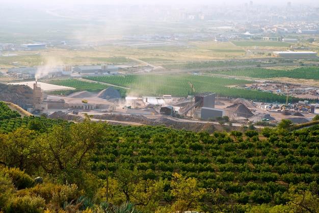 カステリョン県の乾燥破砕採石場