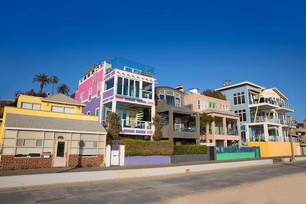Санта-моника калифорния пляж разноцветные дома