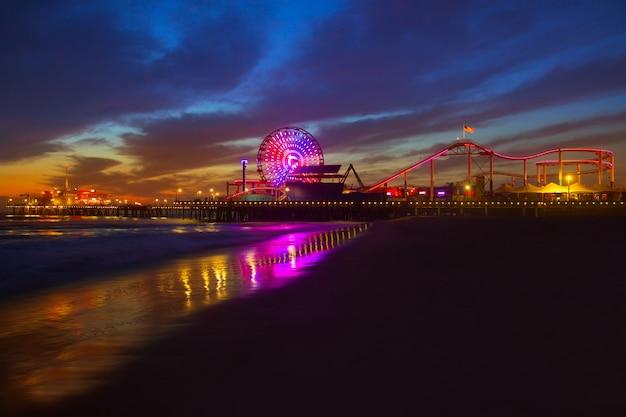 Санта-моника калифорния закат на колесе пирс феррис