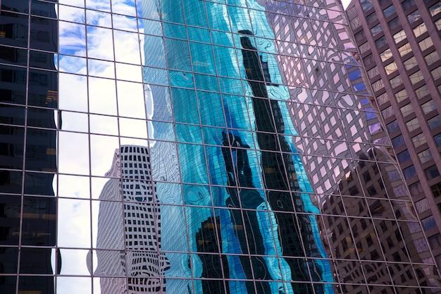 Хьюстон техас городской город с современными зеркальными небоскребами