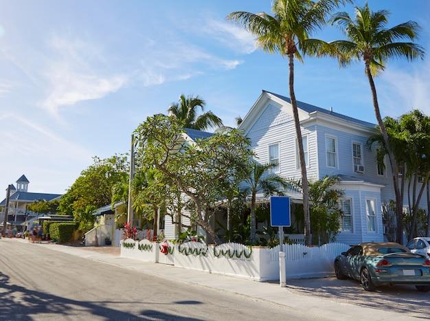 フロリダのキーウェストダウンタウンストリートハウス