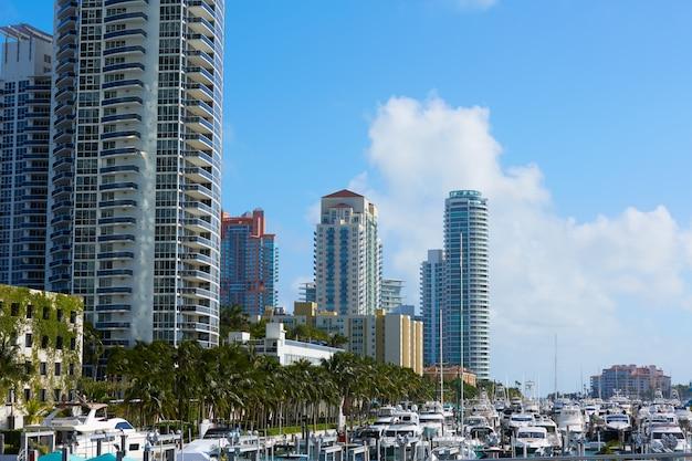 フロリダ州マッカーサーコーズウェイからマイアミビーチ