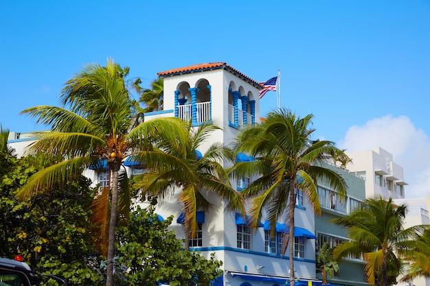マイアミビーチオーシャンブルバードアールデコフロリダ