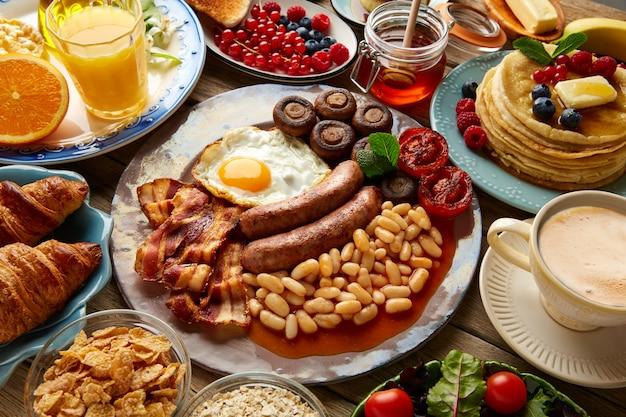 朝食ビュッフェフルコンチネンタル&イングリッシュ