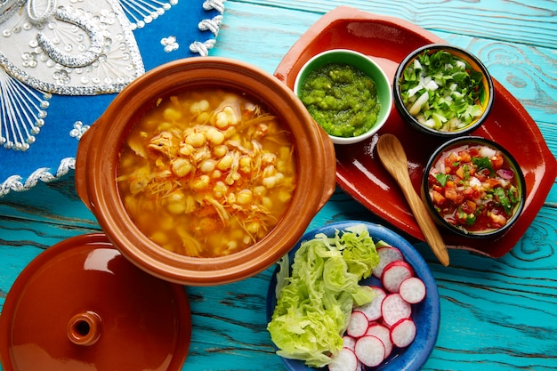 メキシコからモテ大きなコーンシチューとポゾレ