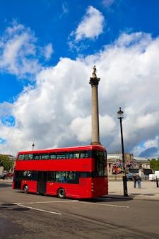 イギリスのロンドントラファルガー広場