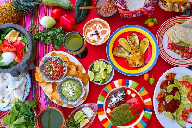 メキシコのレシピとメキシコのソースがミックス