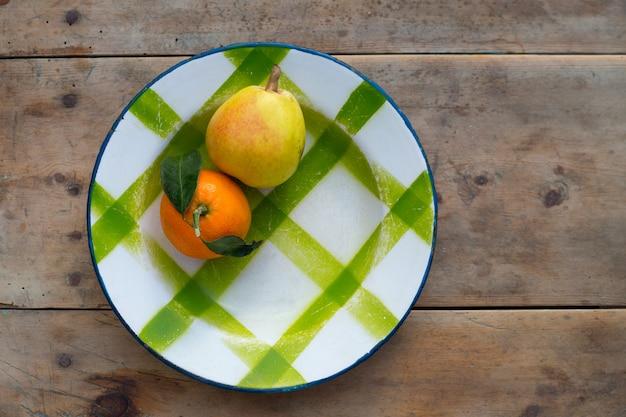 フルーツみかんと梨ヴィンテージ磁器皿プレート