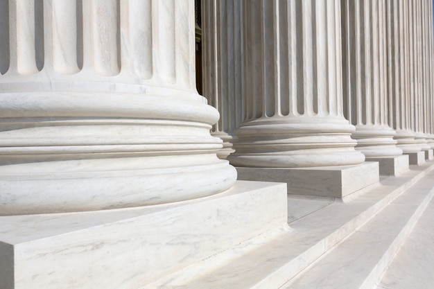 Строка столбцов верховного суда сша