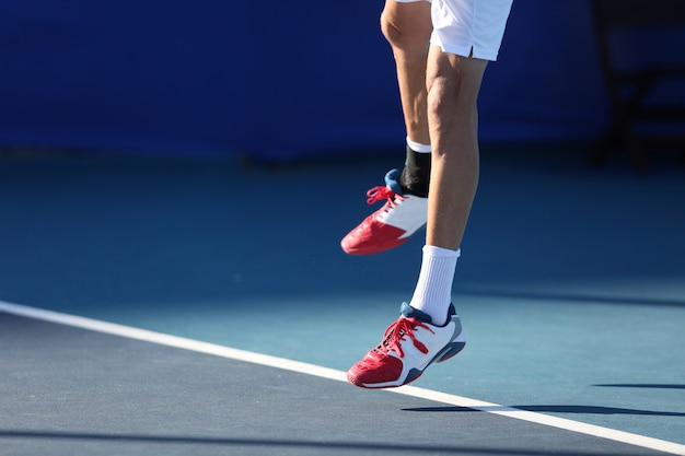 テニス選手の跳躍