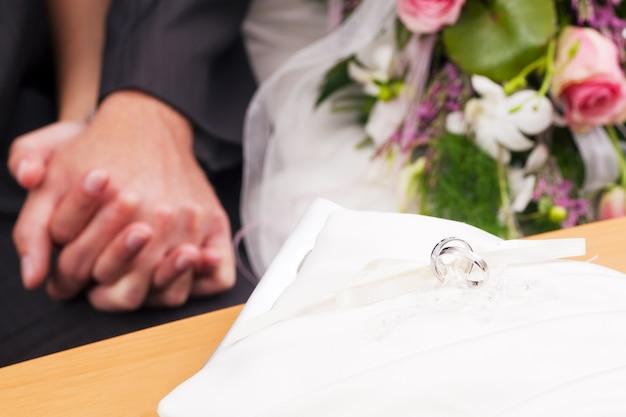 結婚式、式典、指輪