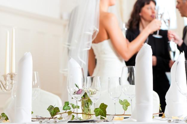 結婚式の宴会でのテーブル
