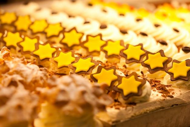 パン屋のディスプレイのクッキー