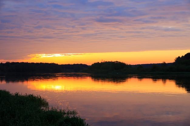 Рассвет на реке неман