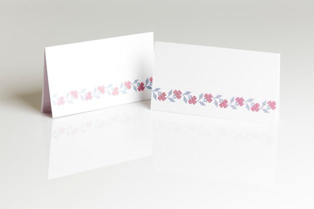 結婚式のテーブルのための空白の場所カード
