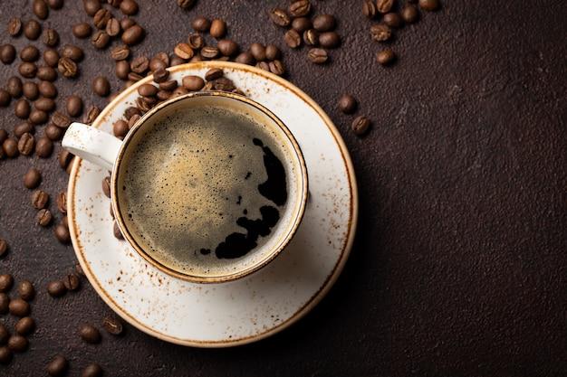 ブラックコーヒー一杯のクローズアップ。
