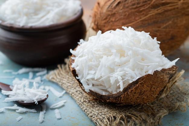 ココナッツフレークの殻