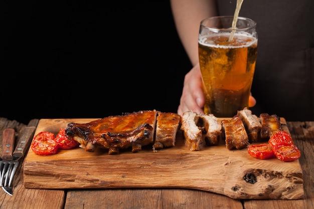 豚カルビと軽めのビール。
